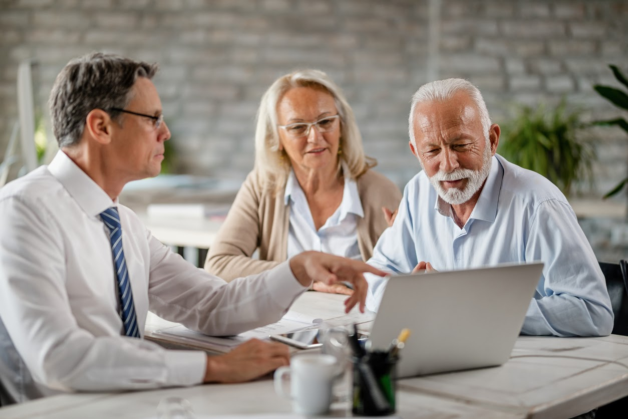 Retirement advisor helping clients