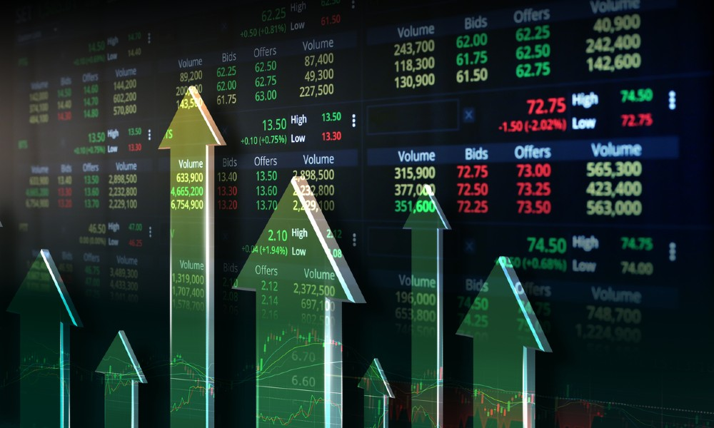 Arrows pointing upward and stock ticker data to highlight the potential growth opportunities of investments in preferred securities